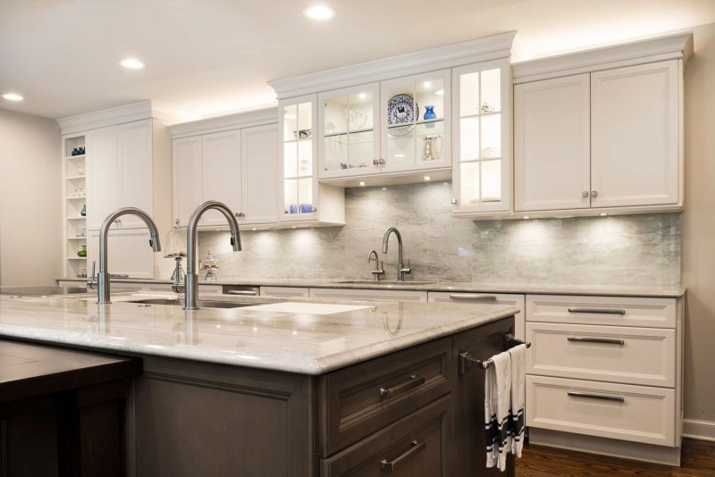 Cook, Eat, Watch 8 beautiful and functional kitchen with The Galley Workstation kitchen sink