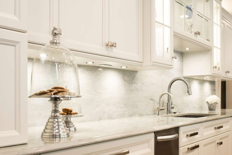 Cook, Eat, Watch 10 beautiful and functional kitchen with cleanup kitchen sink and wall cabinet storage