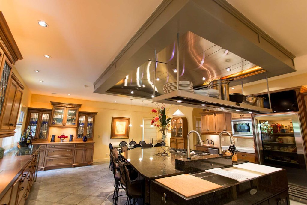 The First Love 2 open classic tuscan style kitchen