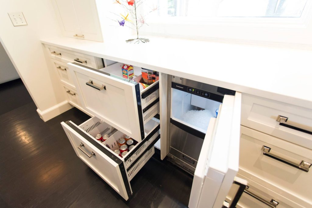 White Done Right 3 elegant open kitchen with drawer refrigerator and ice maker