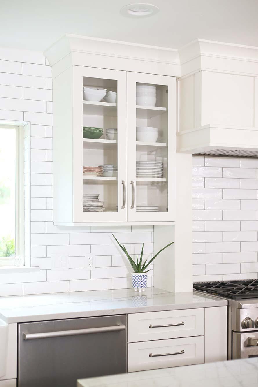 - Look-for-a-cook-13-spacious-tulsa-kitchen-white-subway-tile